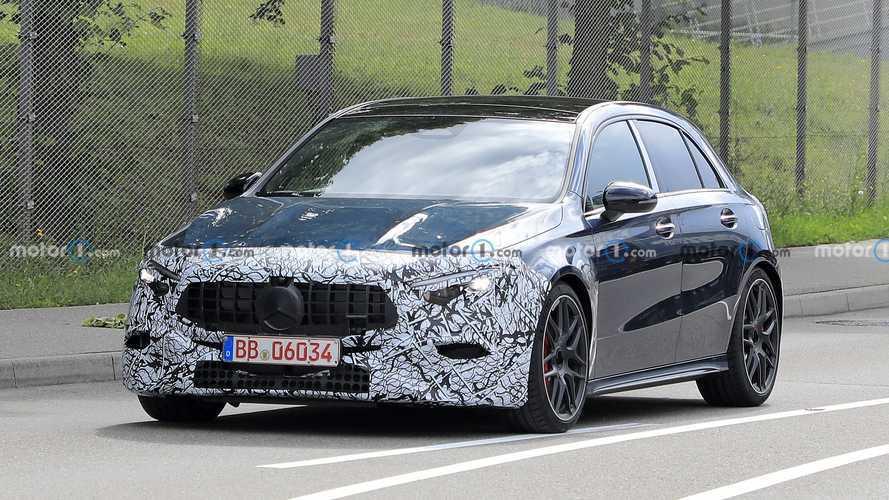 Makyajlı Mercedes-AMG A45, ilk kez görüntülendi