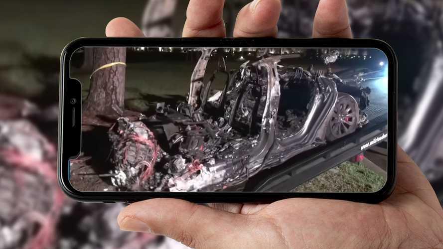 Tragico schianto per una Tesla in Usa: nessuno era alla guida