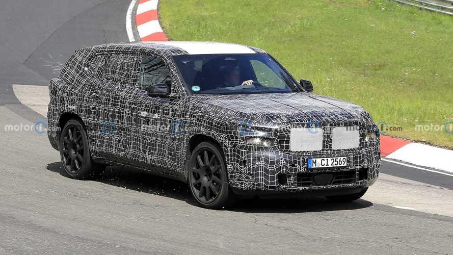 BMW X8 ibrida plug-in, le foto spia della maxi SUV