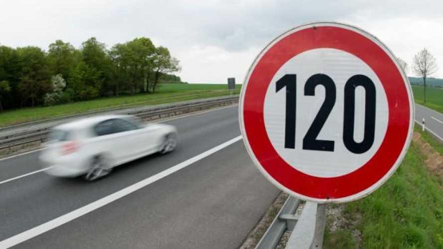 Cartello con limite di velocità:  deve esserci sia prima sia dopo l'incrocio