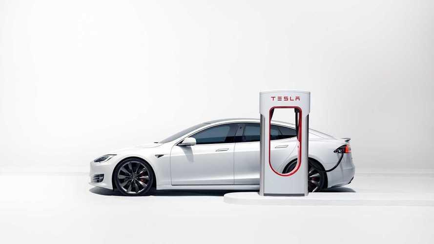 2018 Tesla Model S With 400,000 KM Still On Original Brake Pads