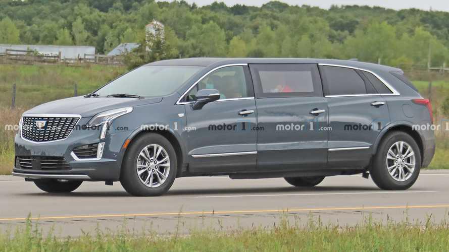 Кроссовер Cadillac XT5 превратили в очень странный лимузин