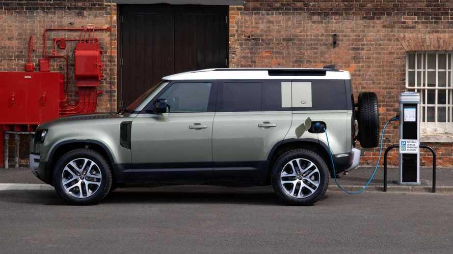 Nuova Land Rover Defender, arriva l'ibrido plug-in
