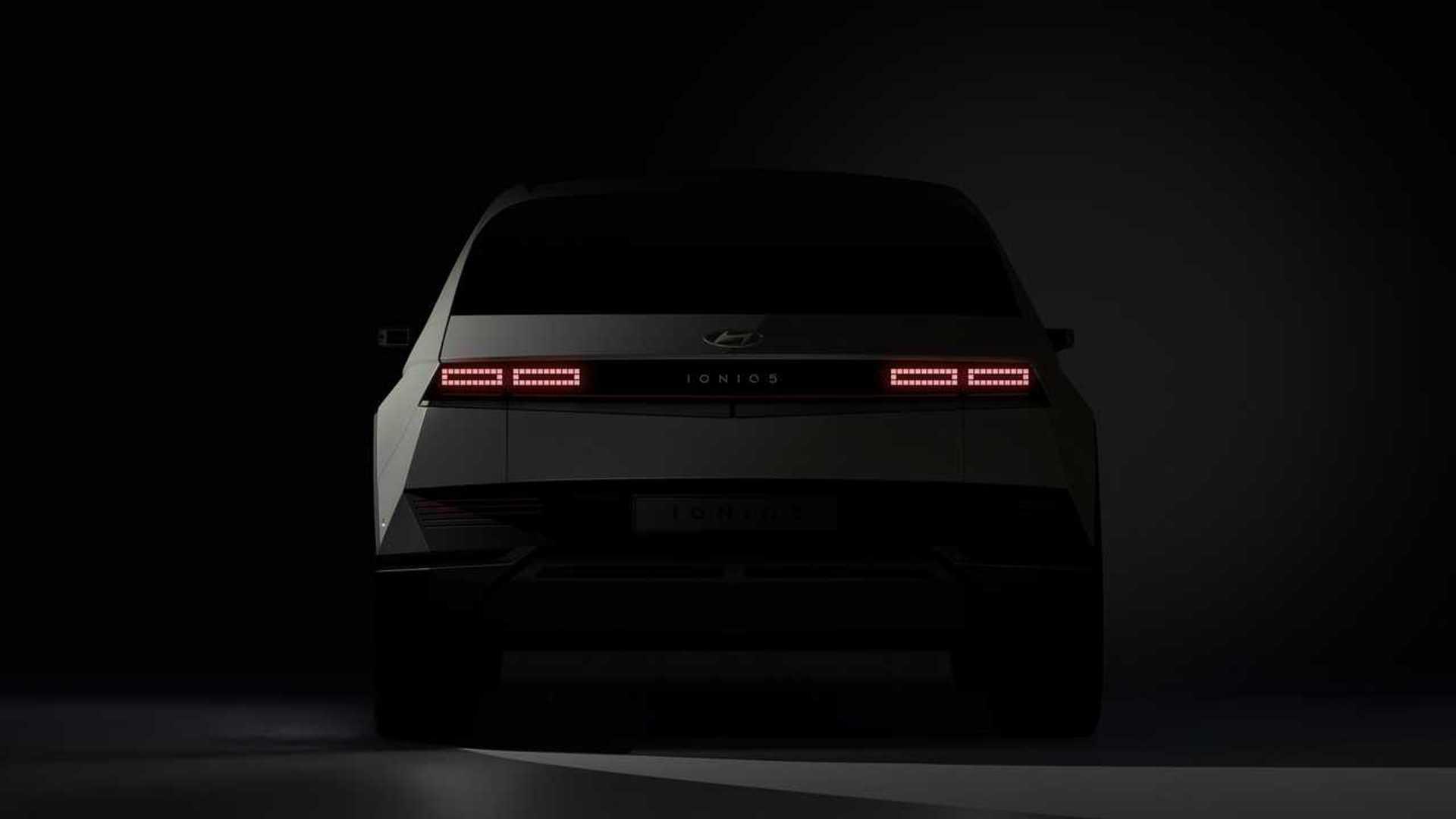 2022-hyundai-ioniq-5-teaser-rear-end.jpg