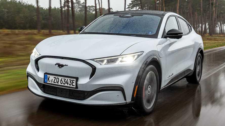 Ford 'acelera o ritmo' de adaptação de fábricas para produzir carros elétricos