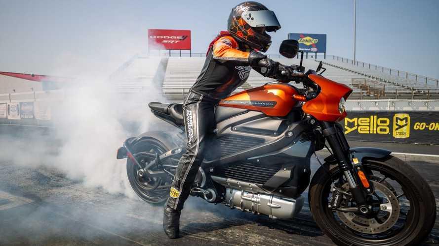 Harley-Davidson LiveWire, la drag race elettrica è da record [VIDEO]