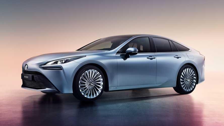 Nuova Toyota Mirai, l'auto a idrogeno per le lunghe percorrenze