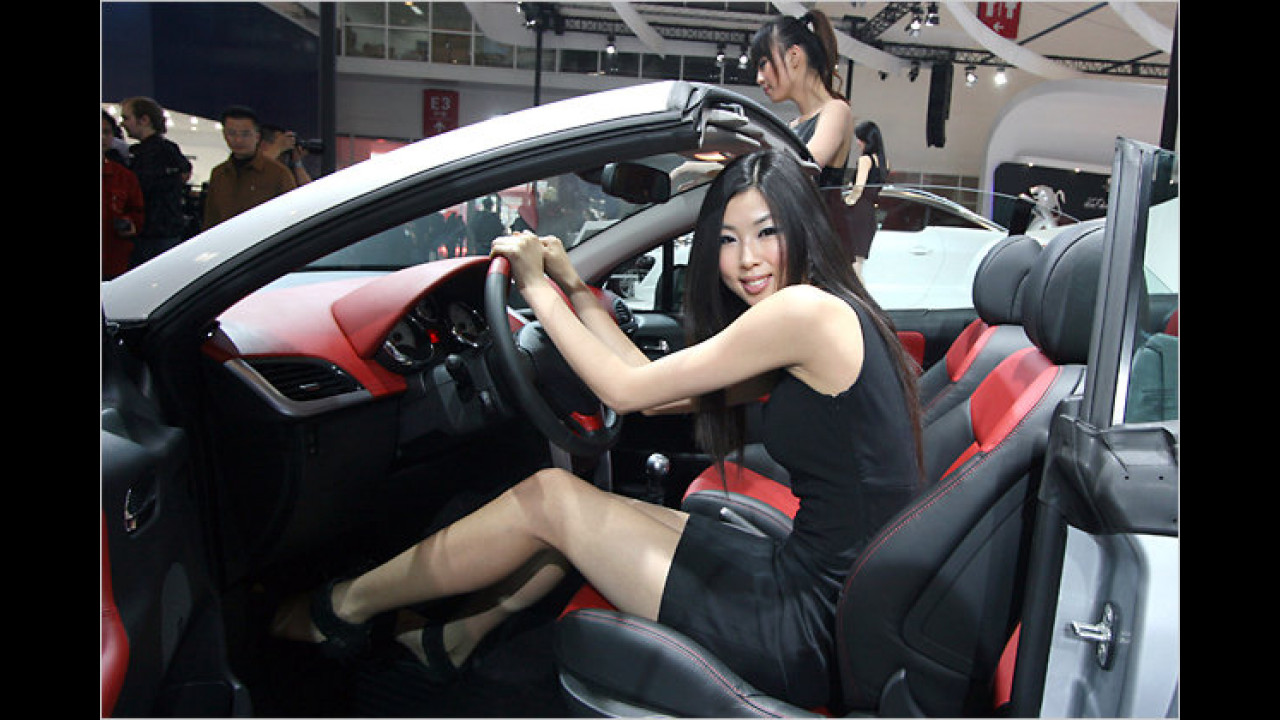 Richtig sitzen: Ein Beispiel für eine schlechte Sitz-Lenkrad-Position
