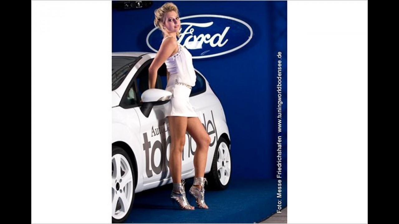 Sandra aus Gersthofen macht deutlich, dass sie ein echter Autofreak ist