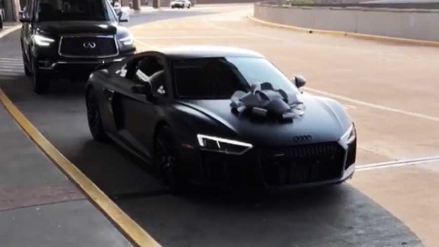 NBA rookie gets his Audi R8 filled with popcorn