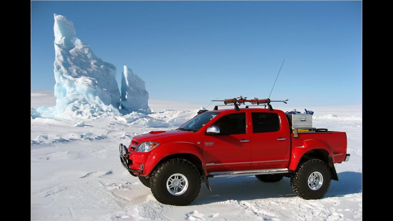 Erstes Auto am magnetischen Nordpol