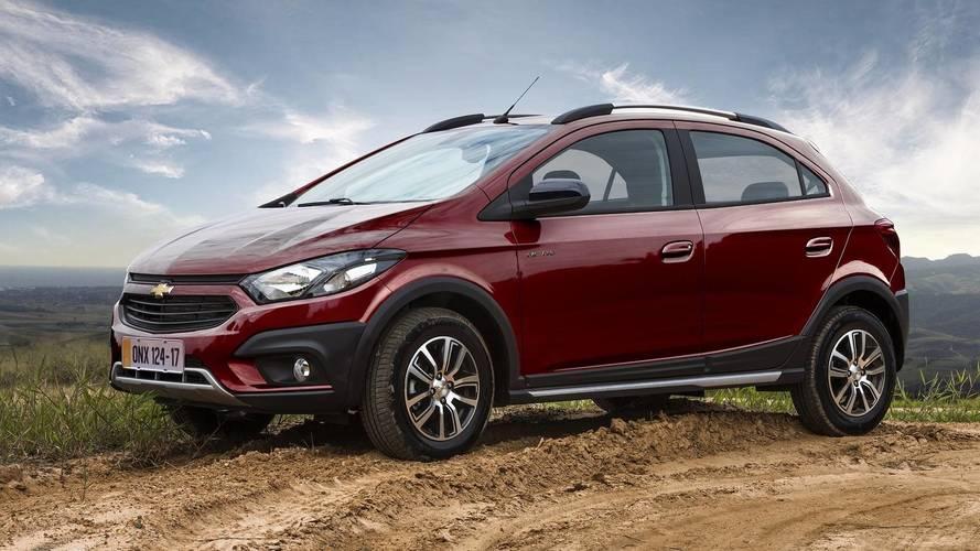 Chevrolet Onix Activ brasileiro chega ao Peru para enfrentar Hyundai i20