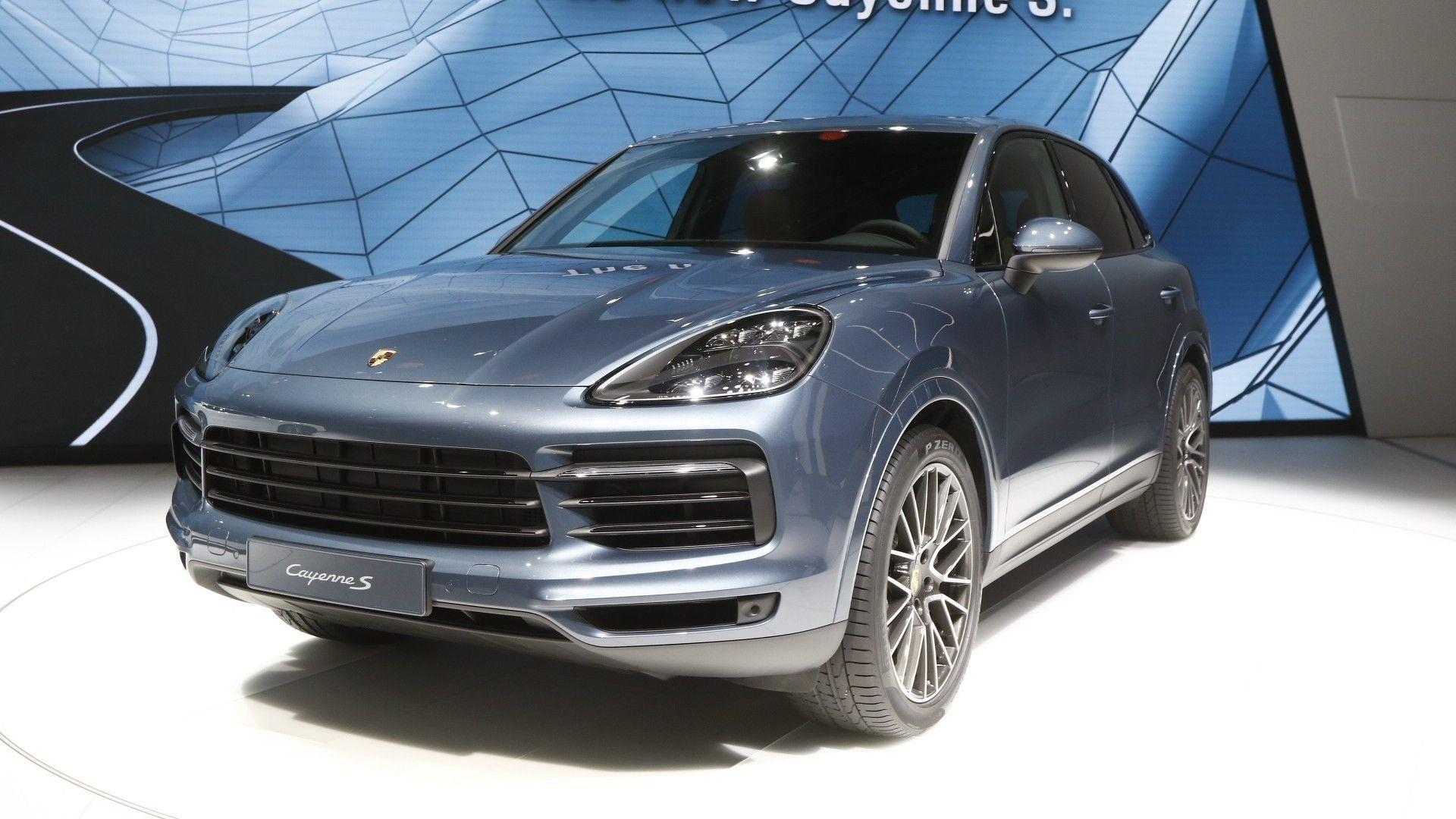 Most Expensive 2019 Porsche Cayenne Turbo Costs 166 310