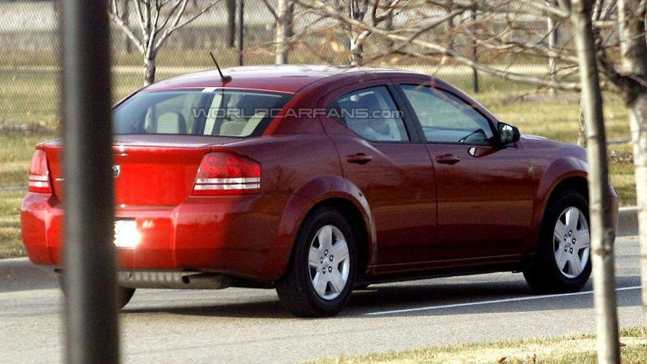 SPY PHOTOS: New Dodge Avenger