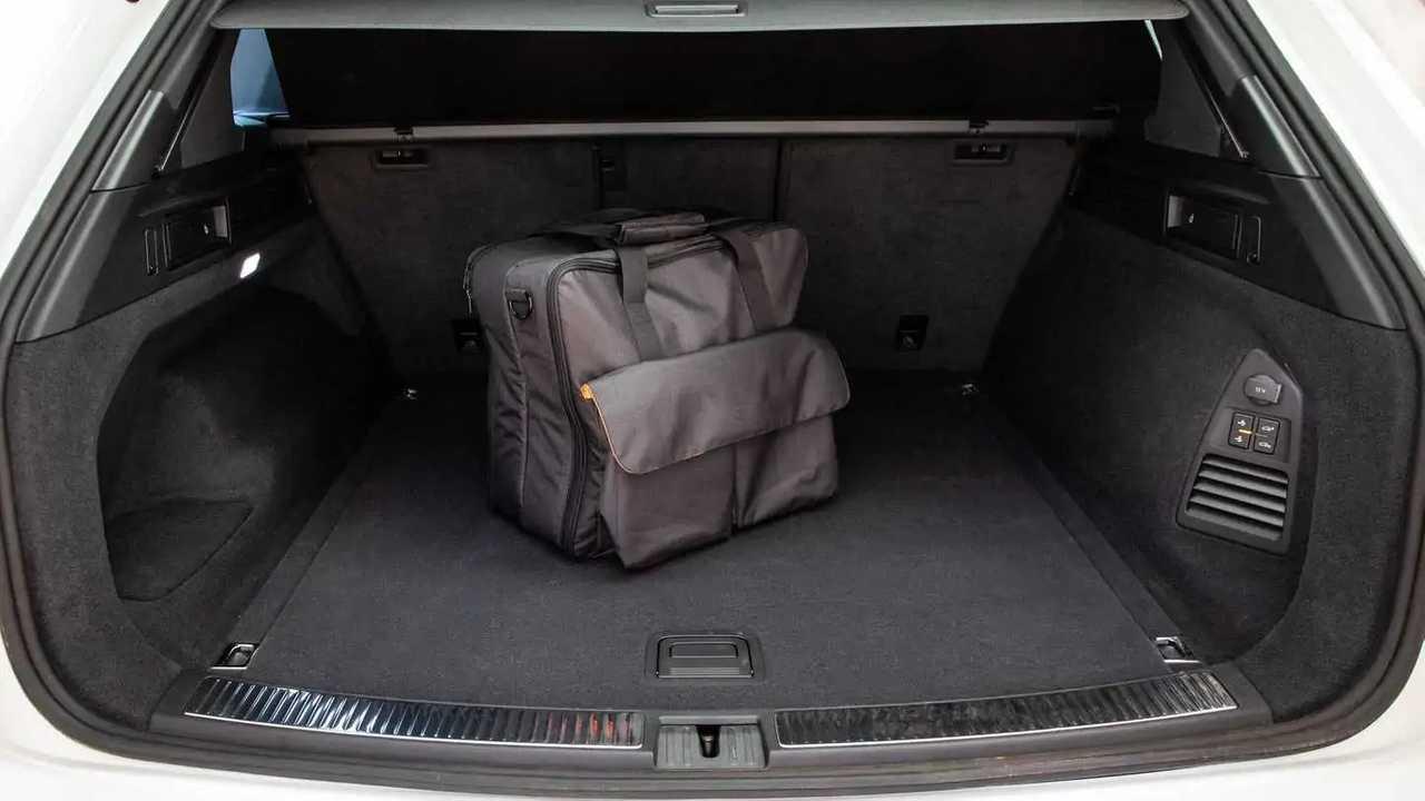 Amplio maletero de 810 litros