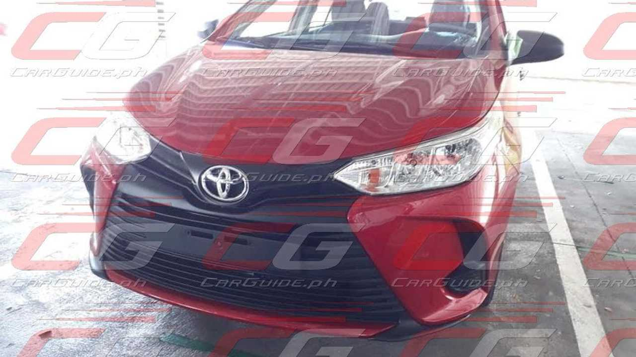 Toyota Yaris 2022 - Flagra nas Filipinas