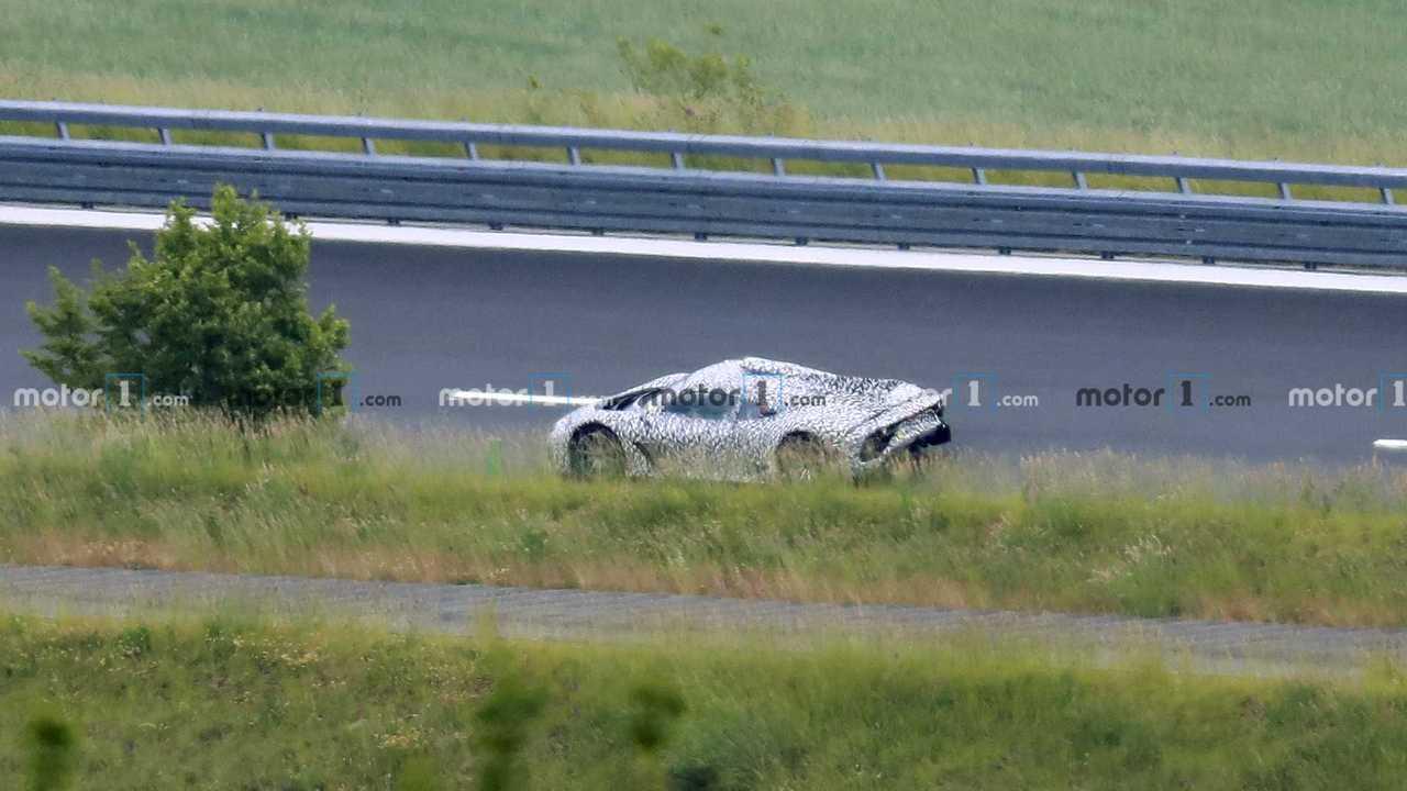 Mercedes-AMG One - новые шпионские фото