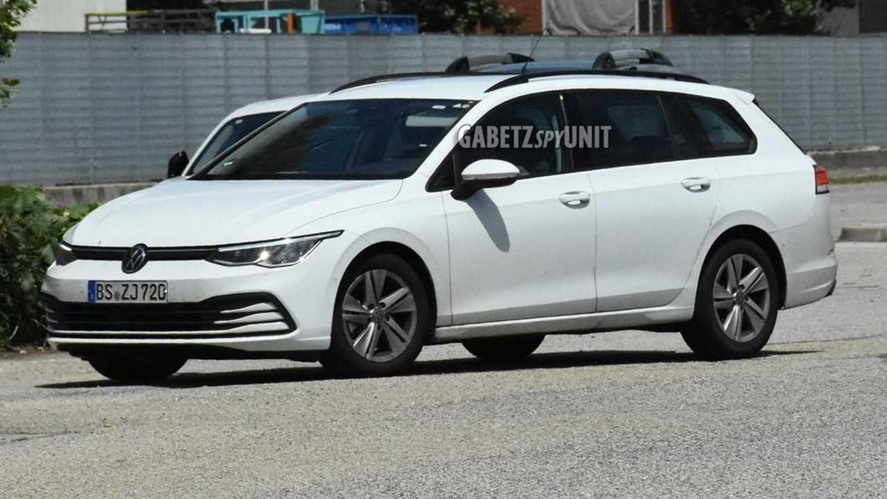 VW Golf Variant nuova foto spia (vista laterale)