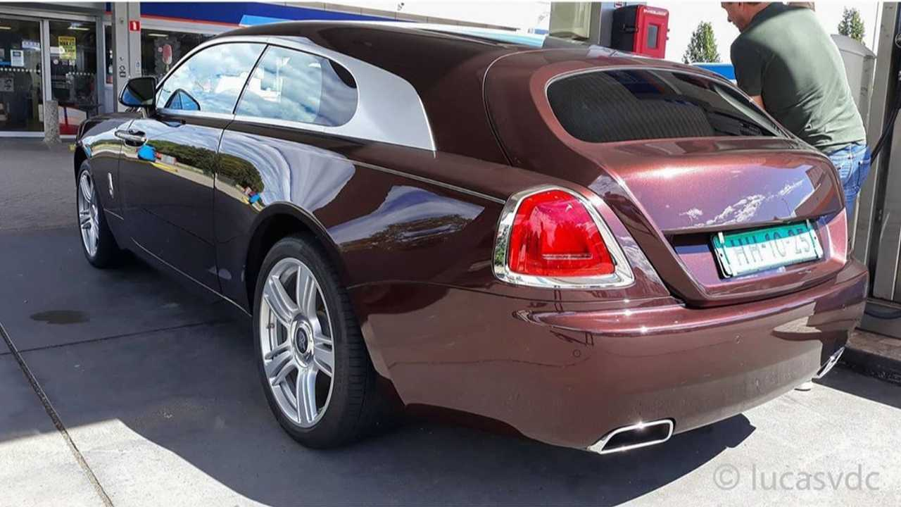 Rolls-Royce Shooting Brake Spied Uncamouflaged Rear