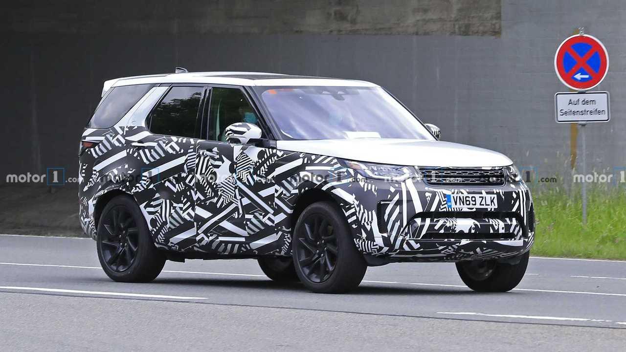 Шпионские фото обновленного Land Rover Discovery