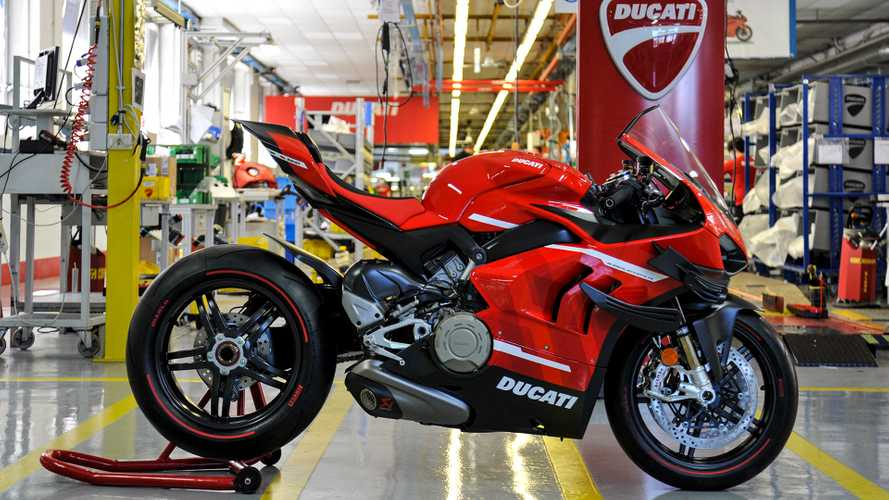 Watch How Ducati Hand-Assembled The First Superleggera V4
