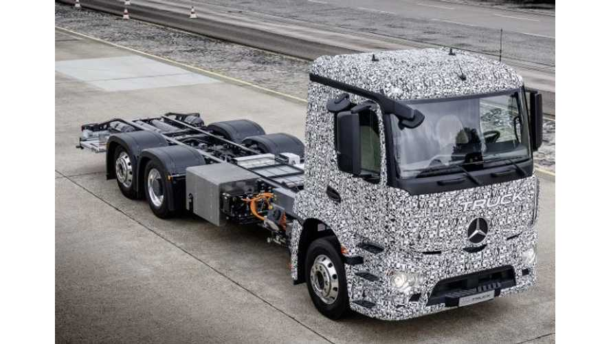 Mercedes-Benz To Compete With Tesla In Electric Semi Truck Segment