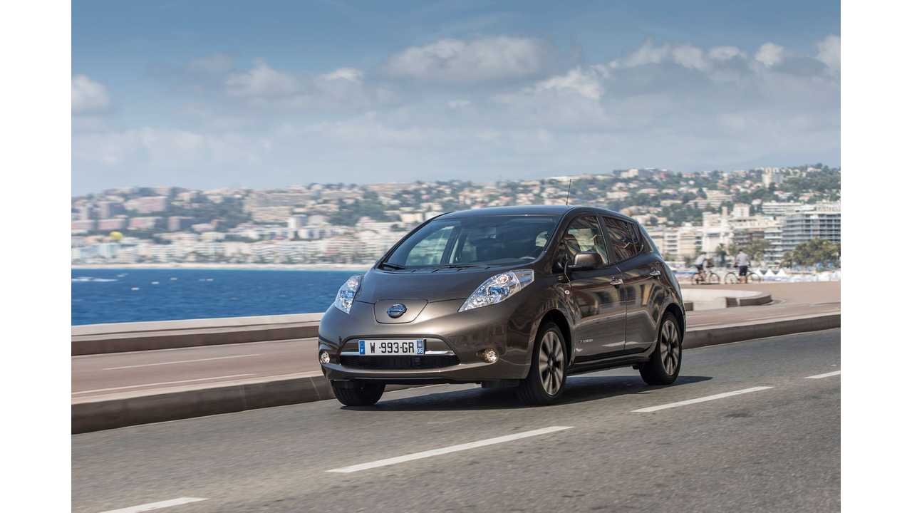 UK Pricing Reveals 30 kWh 2016 Nissan LEAF Costs Just £1,600 More Than 24 kWh Version