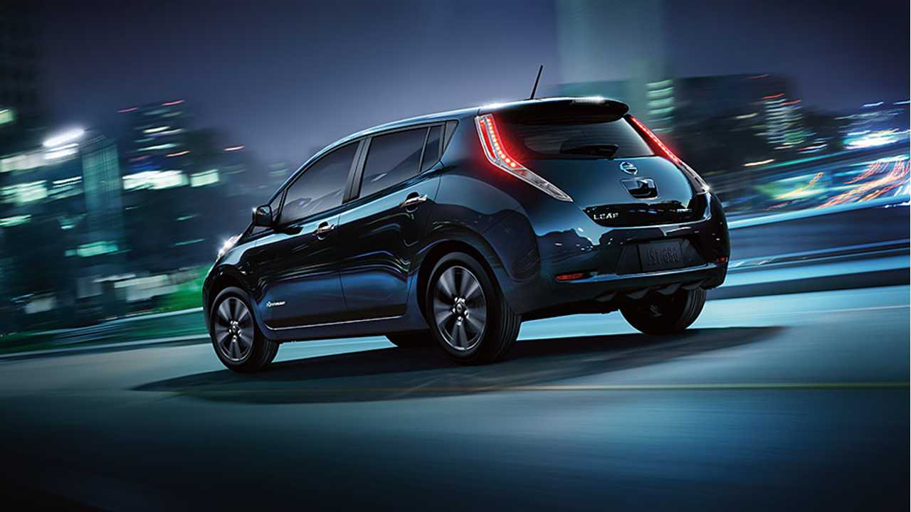 Nissan LEAF Is Only Plug-In Vehicle To Receive IIHS Loyalty Award