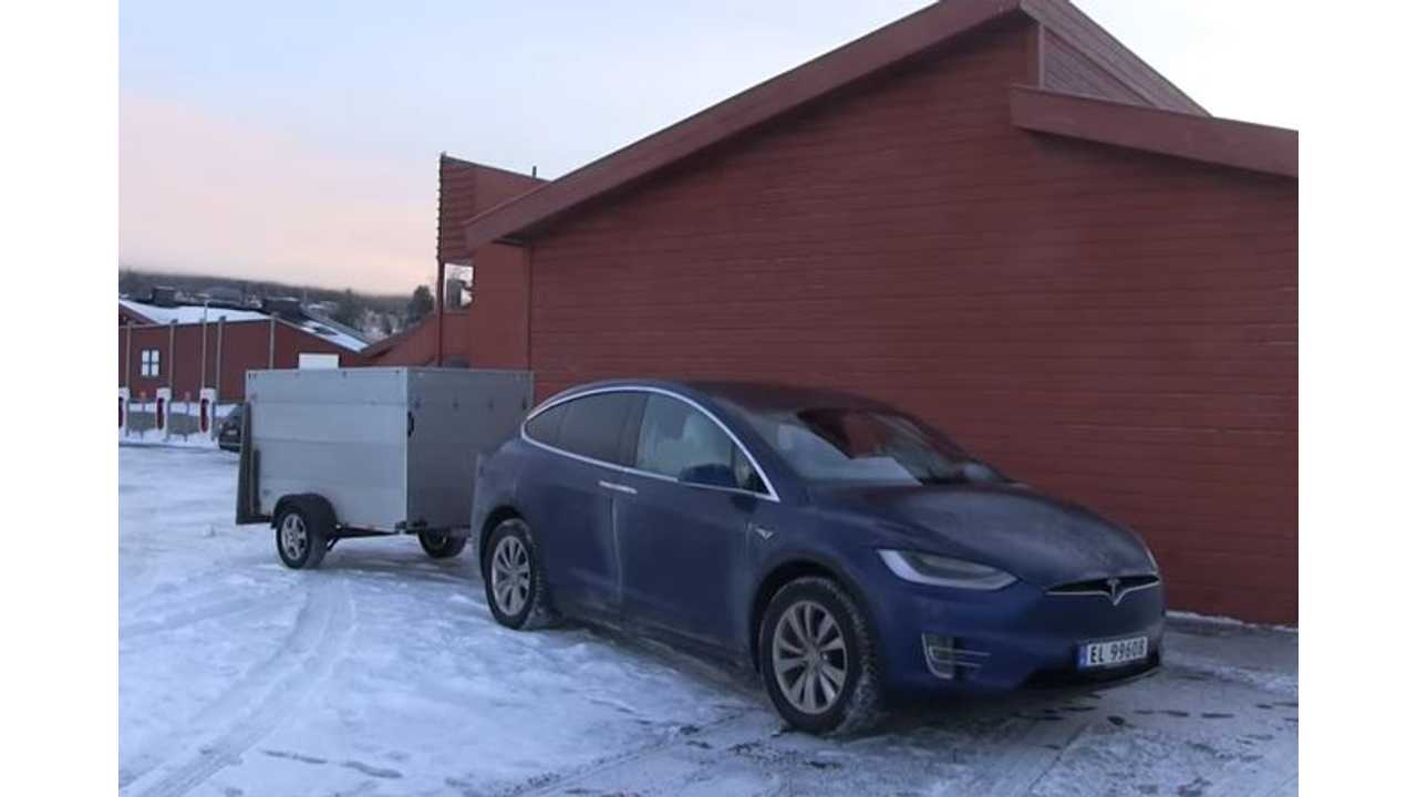 The Tesla Model X Is A Comfy Place To Sleep, Even When It's Cold