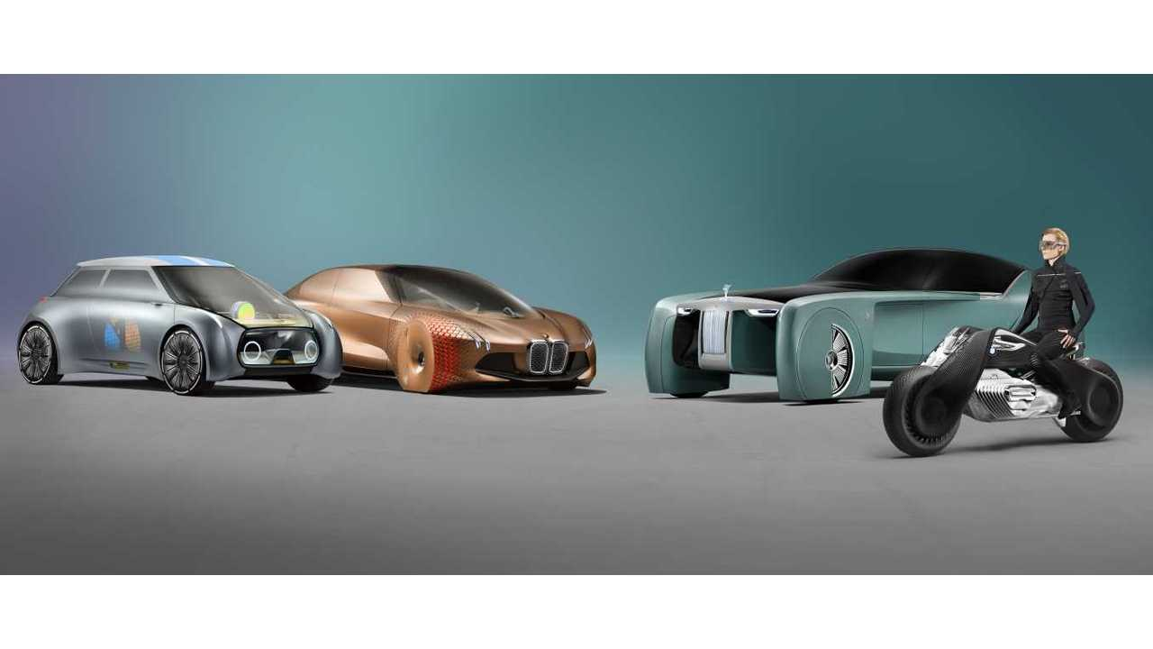 7724e5798b59 BMW VISION NEXT 100 Self-Balanced Electric Motorcycle Unveiled - Videos