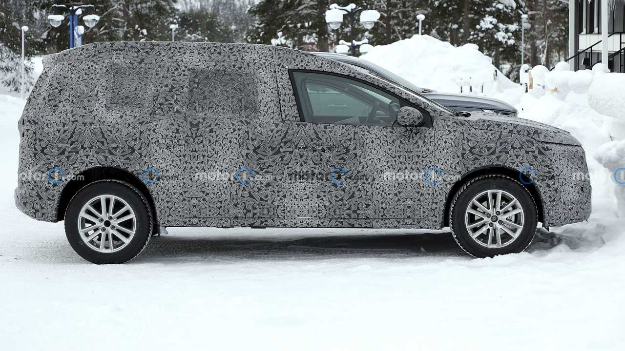 2022 Dacia Logan Stepway spy car photo