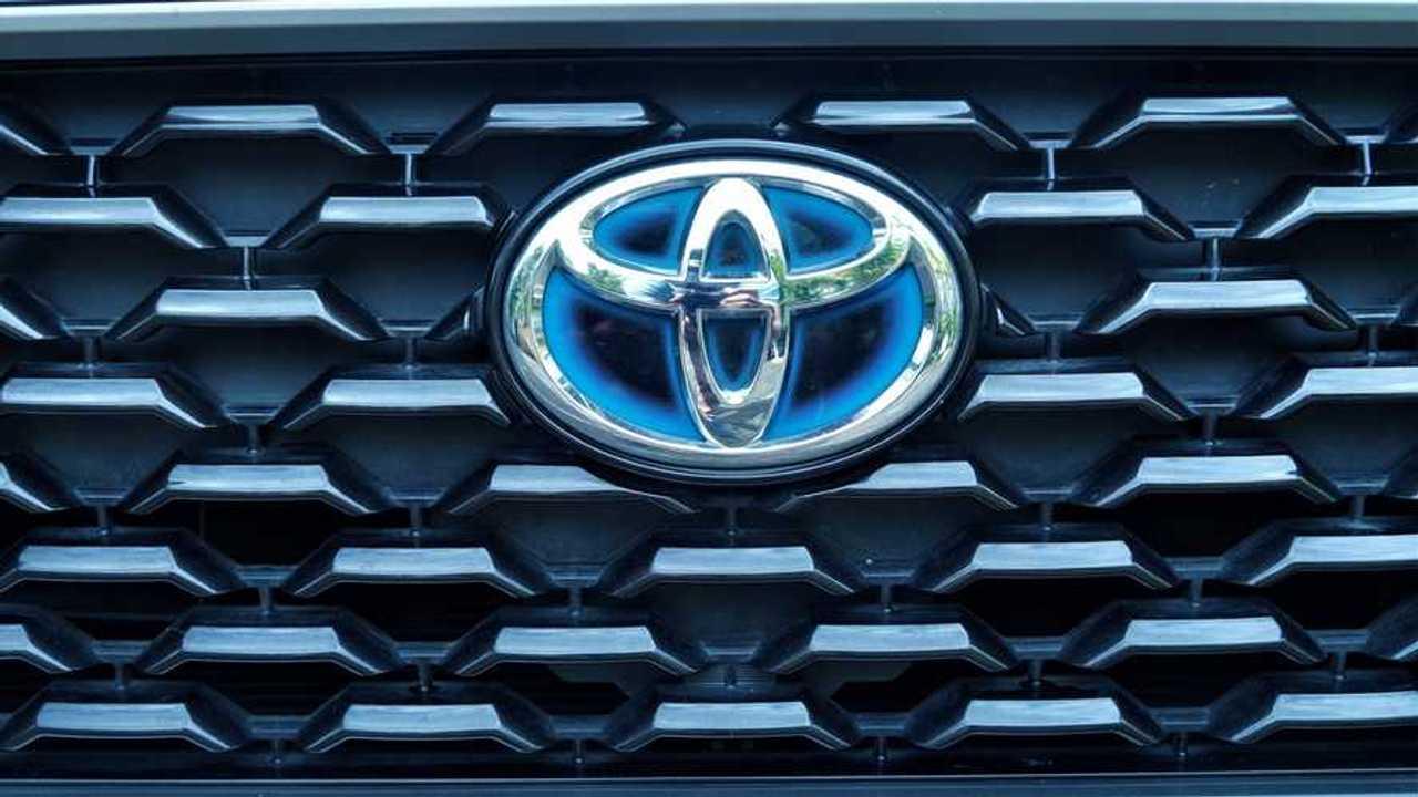 Toyota Corolla Cross Hybrid gril