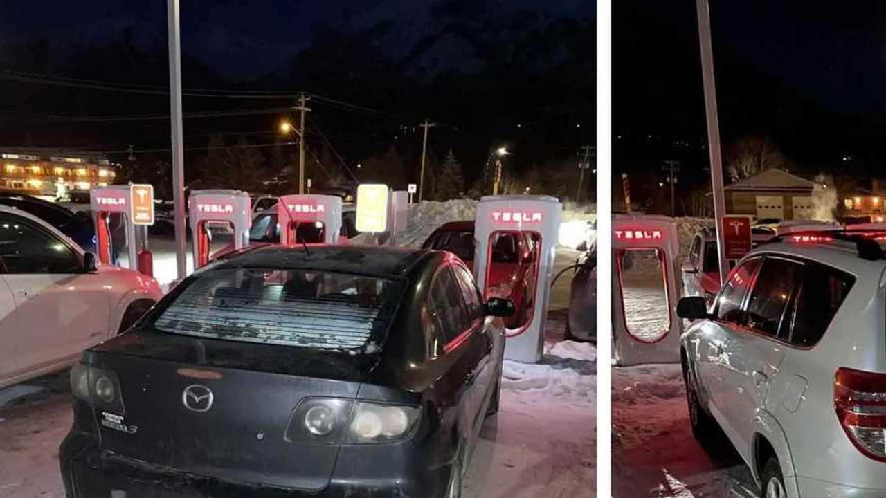 Tesla Supercharger bloccato da auto a benzina