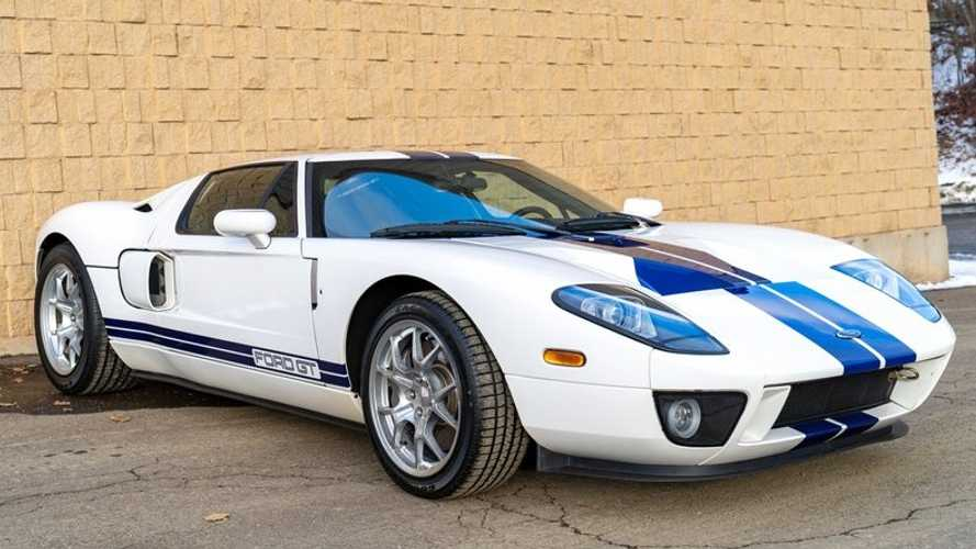 Own The Road In A 2005 Ford GT