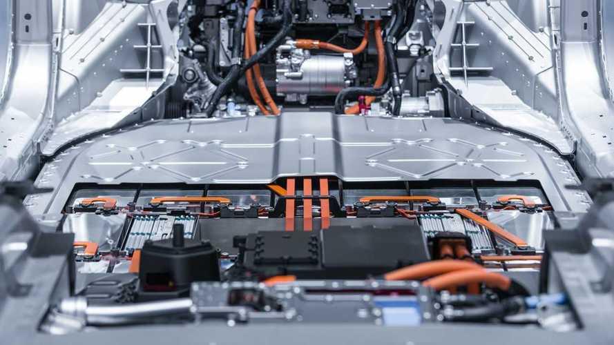 Auto elettriche, quasi raddoppiata la richiesta di batterie in Europa