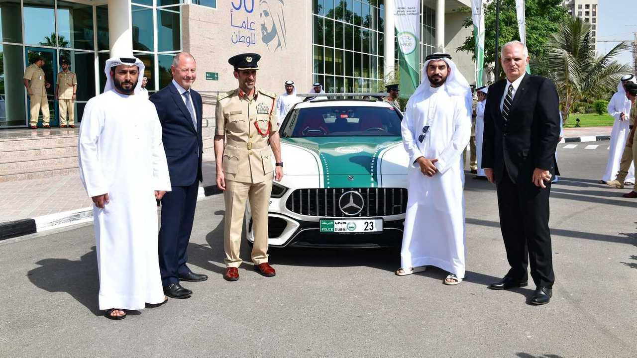 Mercedes-AMG GT 63 S Coupé 4 puertas, policía de Dubái