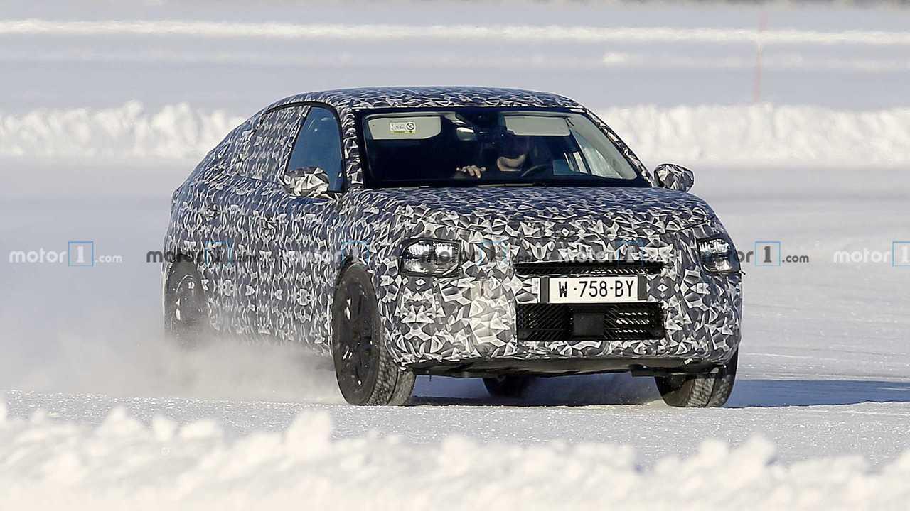 Nouvelles photos d'espion Citroën C4