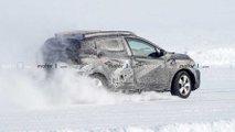 nuova dacia sandero foto spia traverso neve