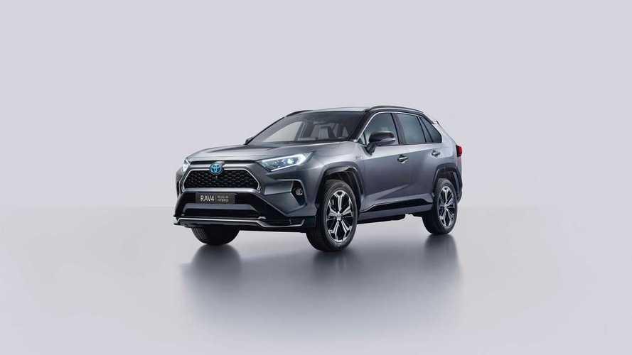 Akár 65 km-t is elmegy elektromos módban az új Toyota RAV4 hibrid