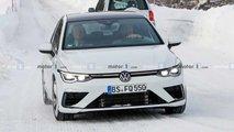 Volkswagen Golf R, le foto spia sulla neve