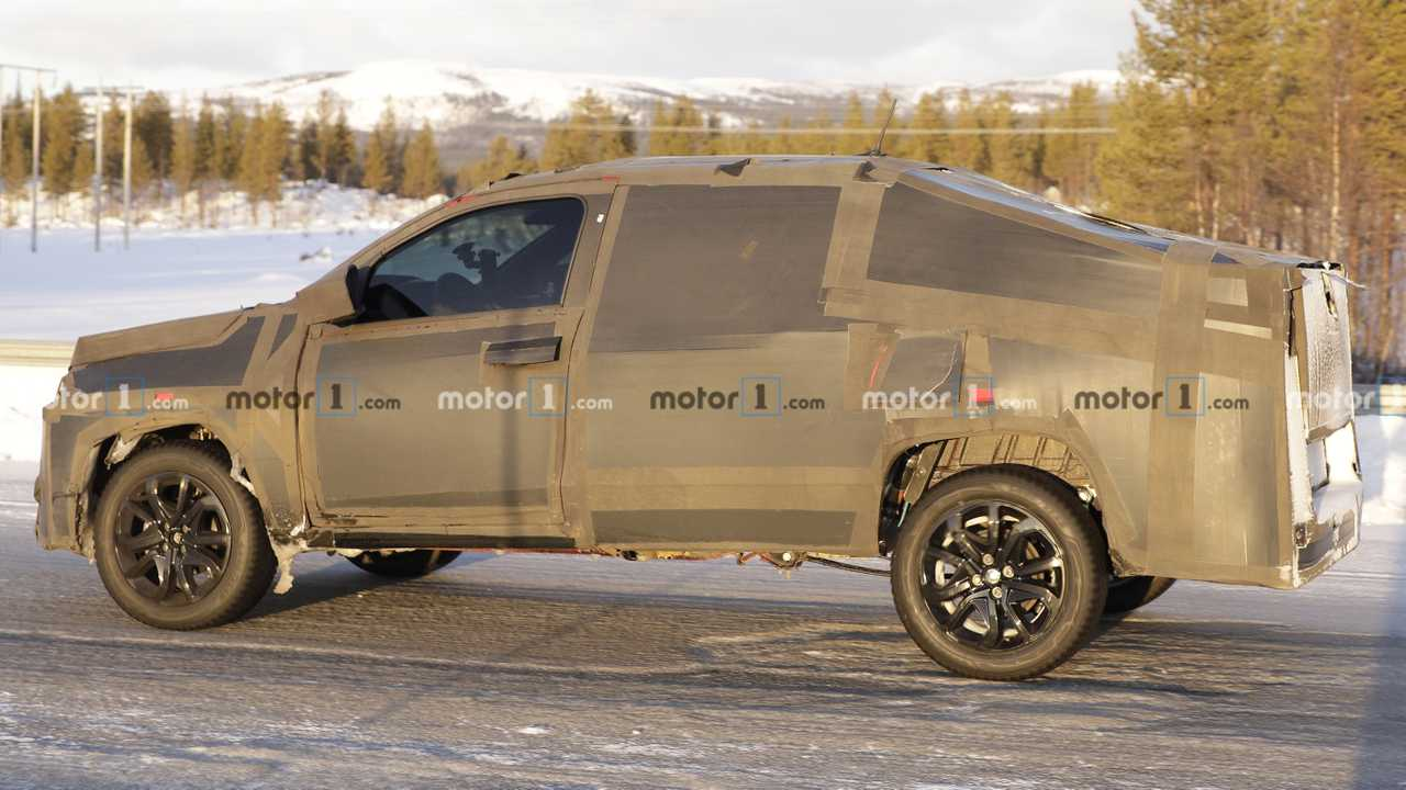 Fiat Mobi pickup new spy photo
