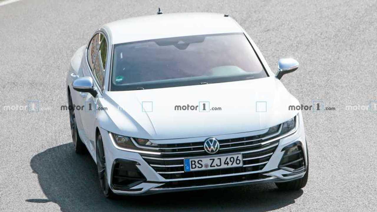 Volkswagen Arteon R Spy Shots