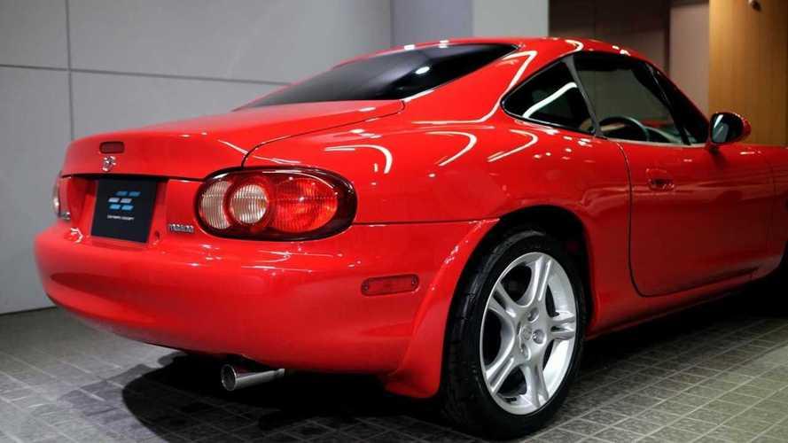 Coupe Gövdeli Nadir Bulunan Mazda MX-5'lerden Birisi