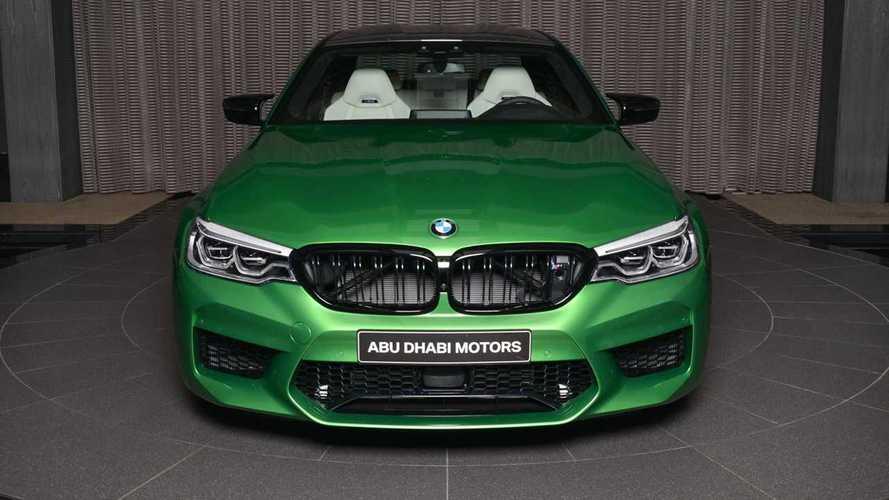 Látványos megjelenésű BMW M5 Comptition keresi gazdáját Abu Dhabiban
