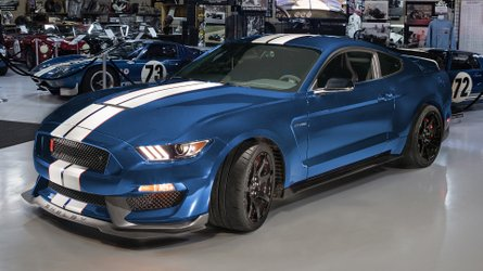 Help The Shelby American Collection, Win A 2019 Shelby Mustang GT350R