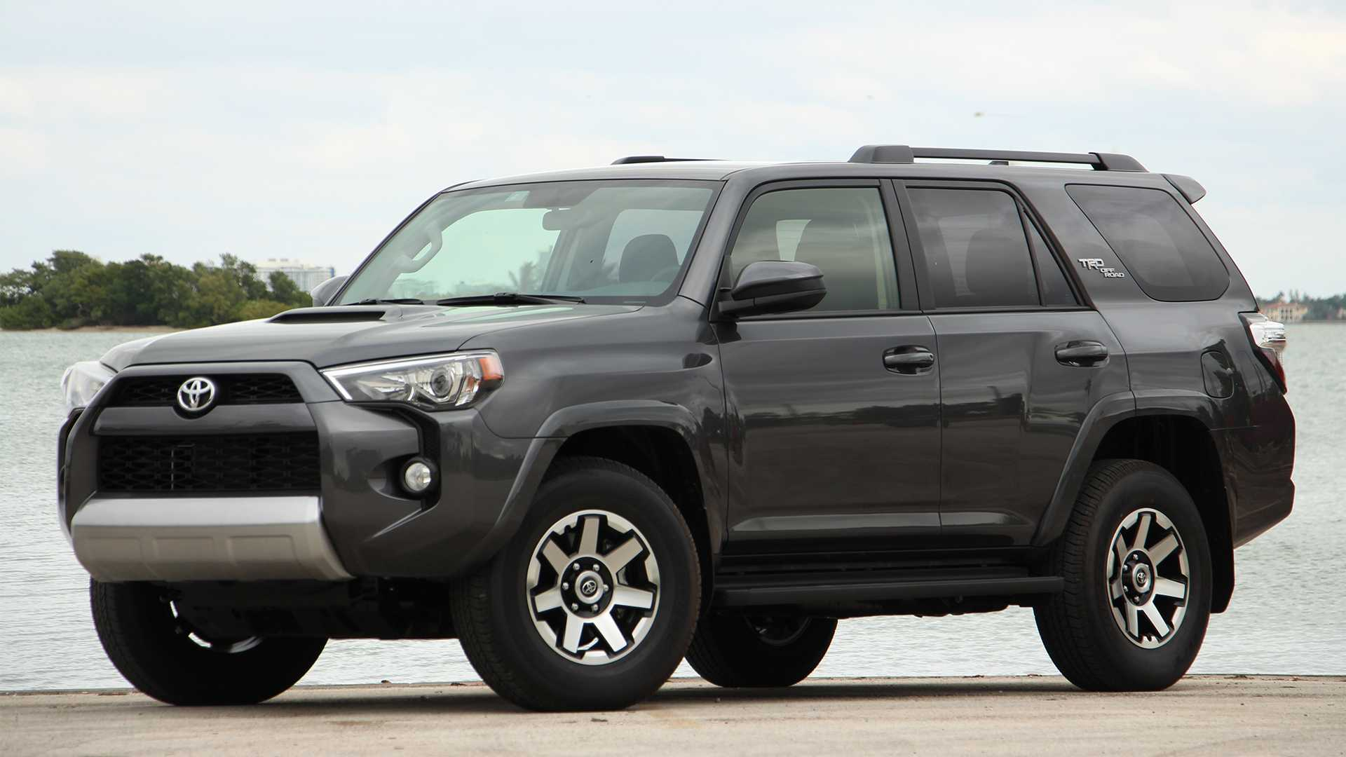 Toyota 4Runner Off Road >> 2019 Toyota 4runner Trd Off Road Review Walking With Dinosaurs