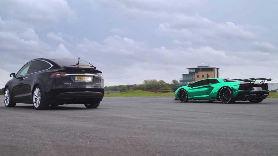 Tesla Model X ile Lamborghini Aventador'un drag yarışını izleyin