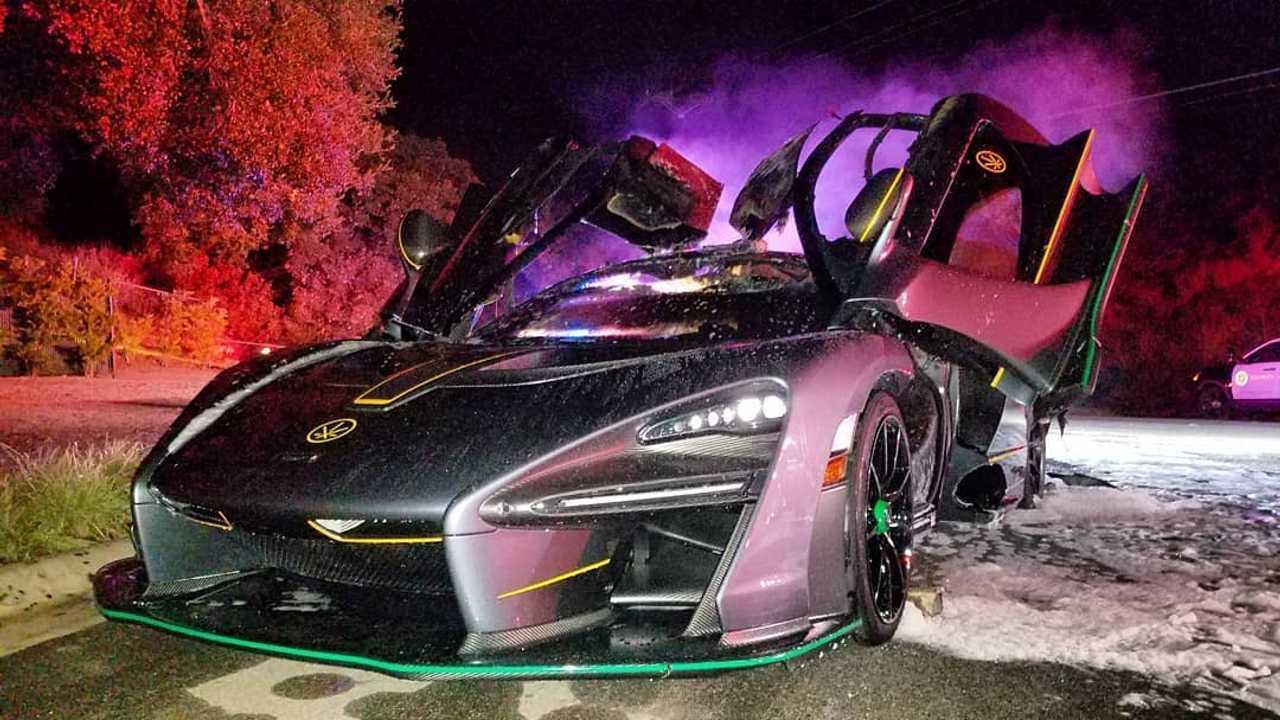 McLaren Senna alevler içerisinde