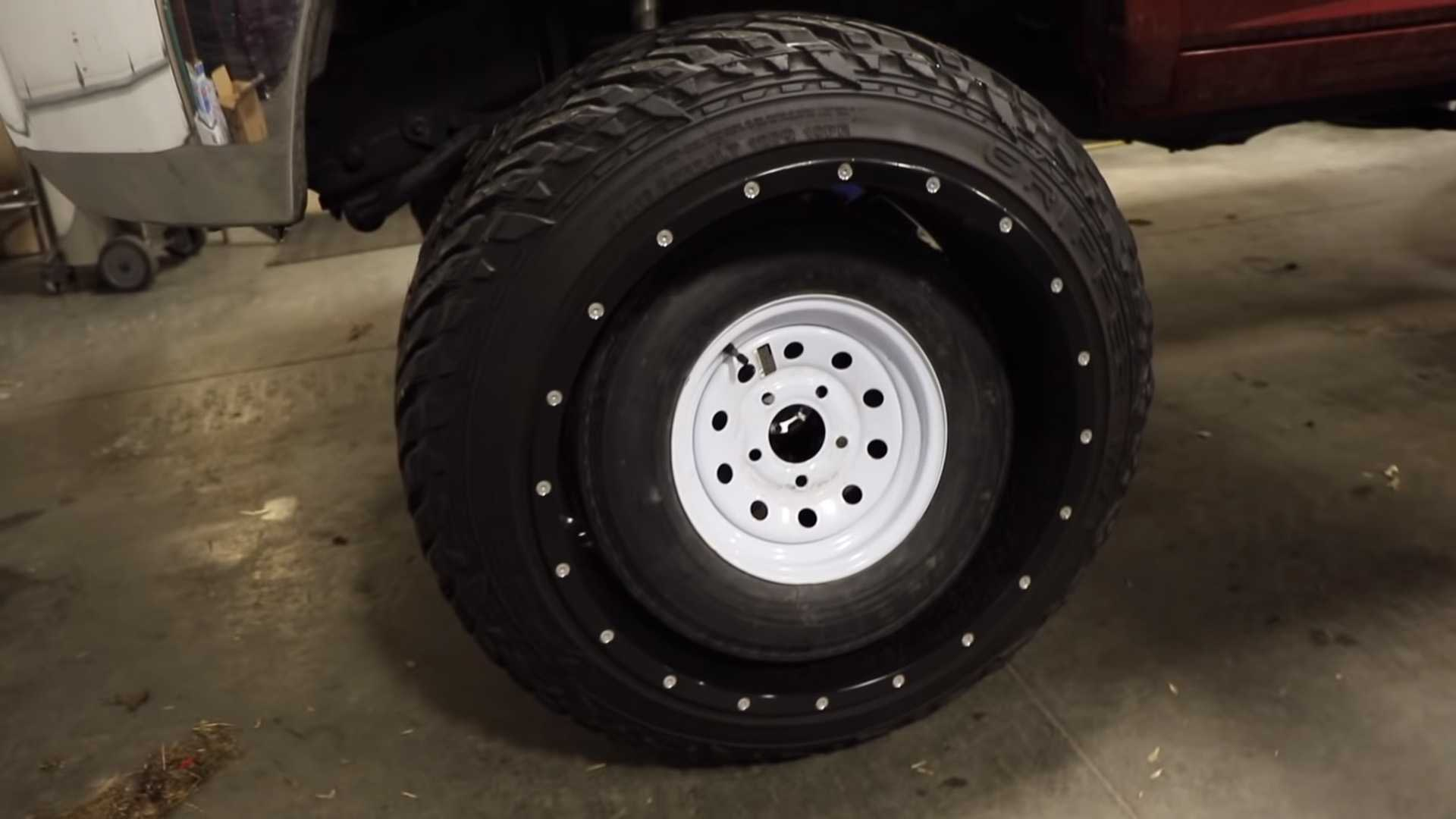 Tiny Wheels On A Big Pickup Are As Hilarious As You D Expect