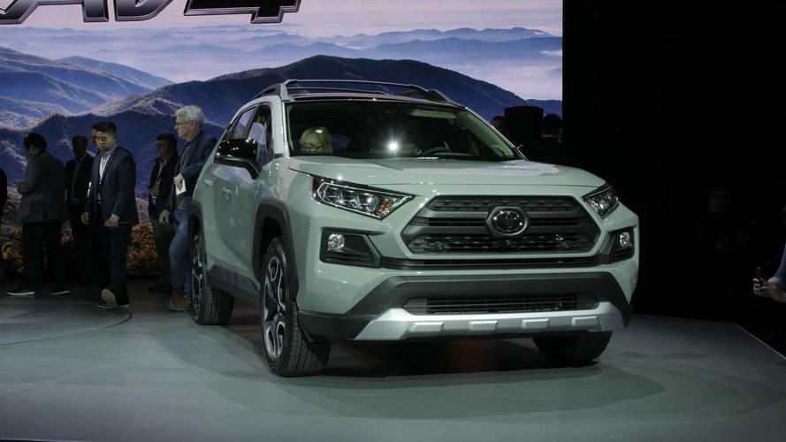 Toyota prépare un RAV4 hybride rechargeable